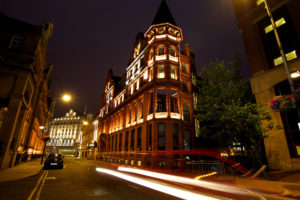 Quebec hotel leeds at night